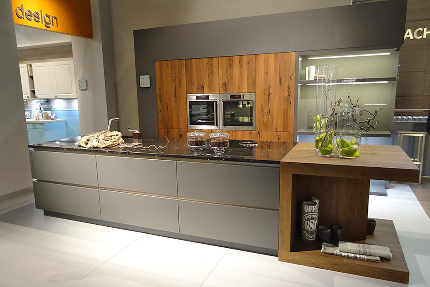 Unsere kuchenausstellung in bergheim for Www hardeck de küchen